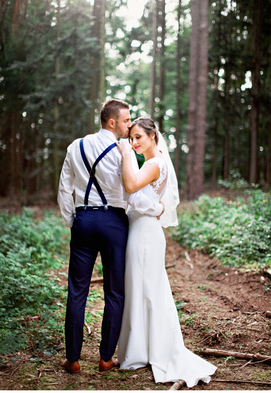 anita_schneider_anitaschneider_fotografin_hochzeitsfotografin_videografin_wedding_fineart_wald_bridal_brautstrauss_5