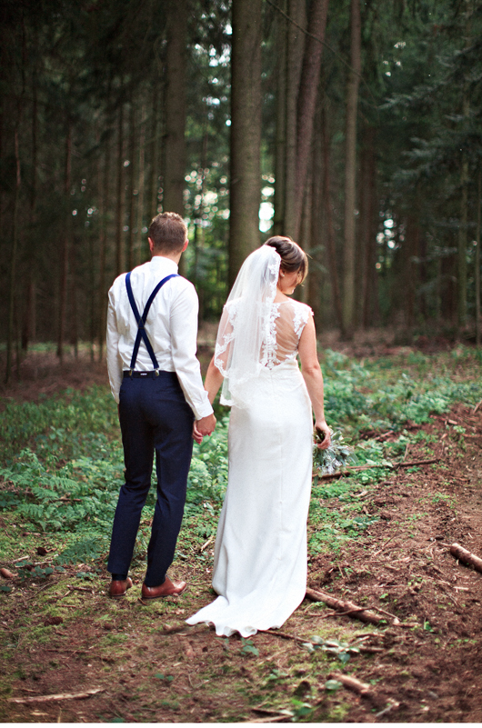 anita_schneider_anitaschneider_fotografin_hochzeitsfotografin_videografin_wedding_fineart_wald_bridal_brautstrauss_8